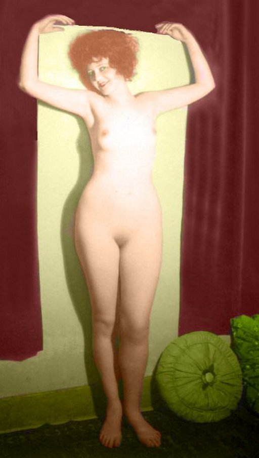 naked photo of Clara Bow