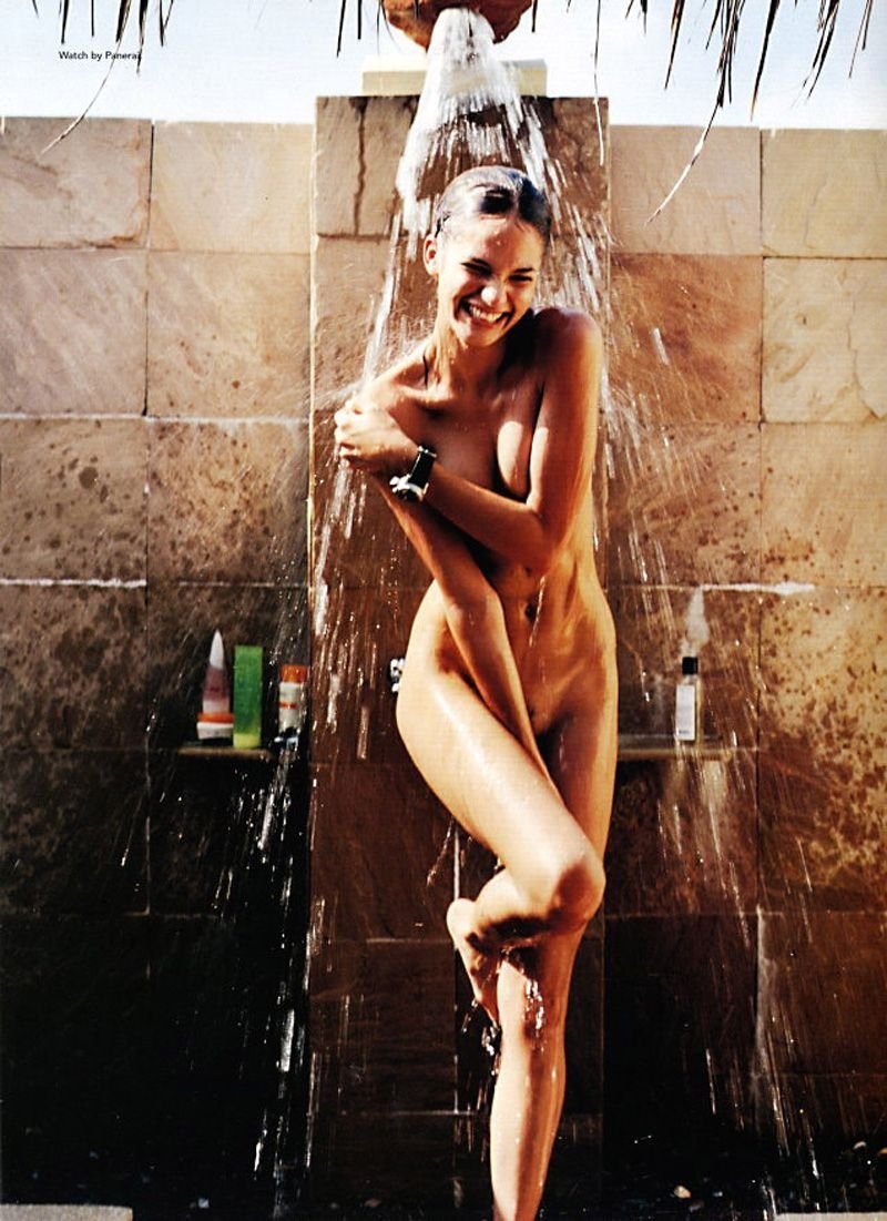 naked-models-having-sex-in-shower-supwrhero-nude-girl