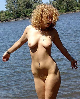 nude sun worshipper