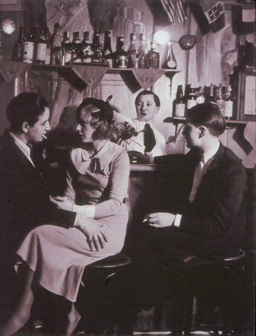 lesbian-nightclub