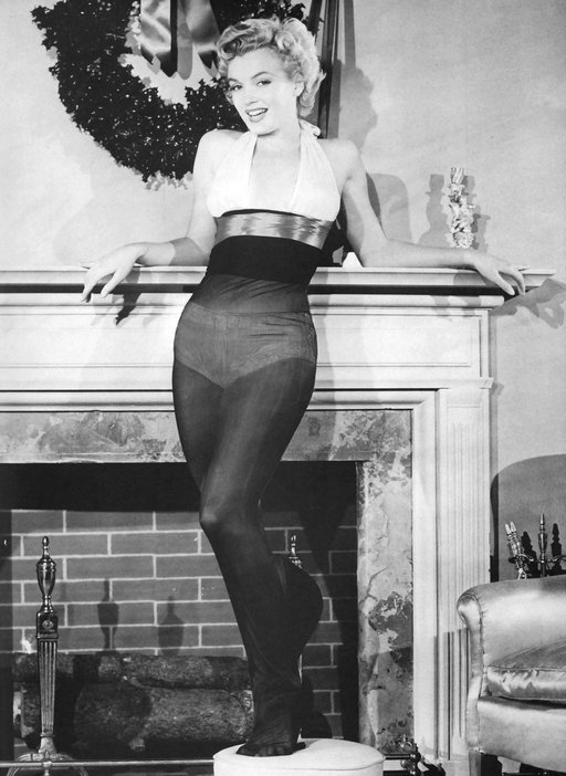 Christmas Marilyn in panty hose