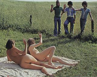 nudist girls happy to see some fellows