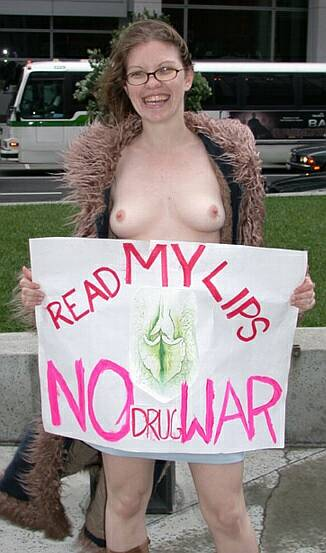 nude anti-drug-war activist