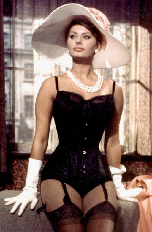 seductive sophia loren in black corset and pearls