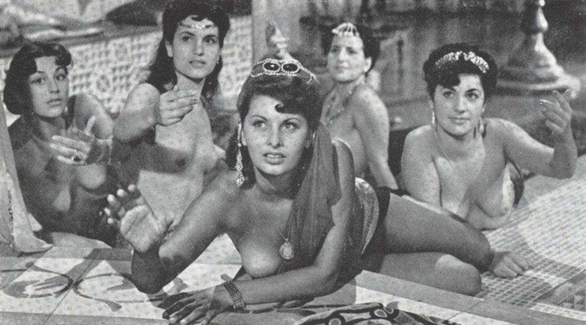 pictures-of-sophia-loren-young-tits