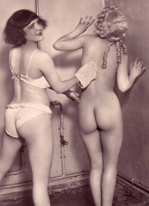 naked women pics Vintage