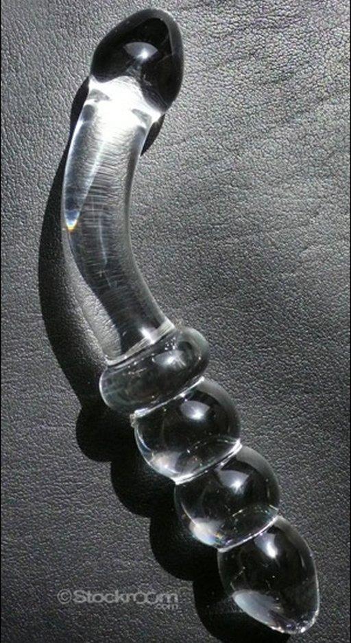 The juicer glass dildo demenstration