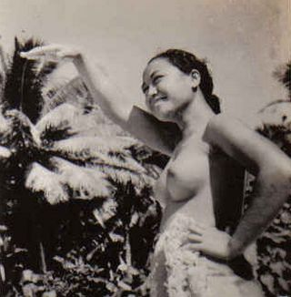 topless south pacific woman