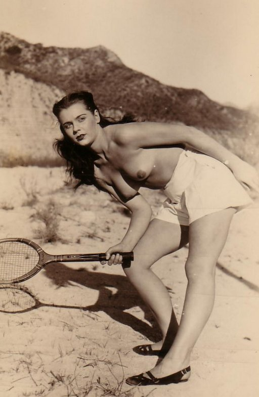 topless-tennis-01