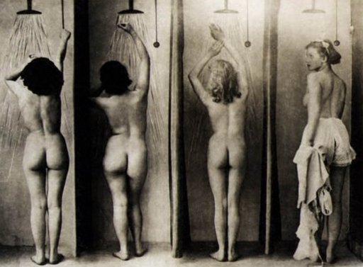 vintage-shower-room-512